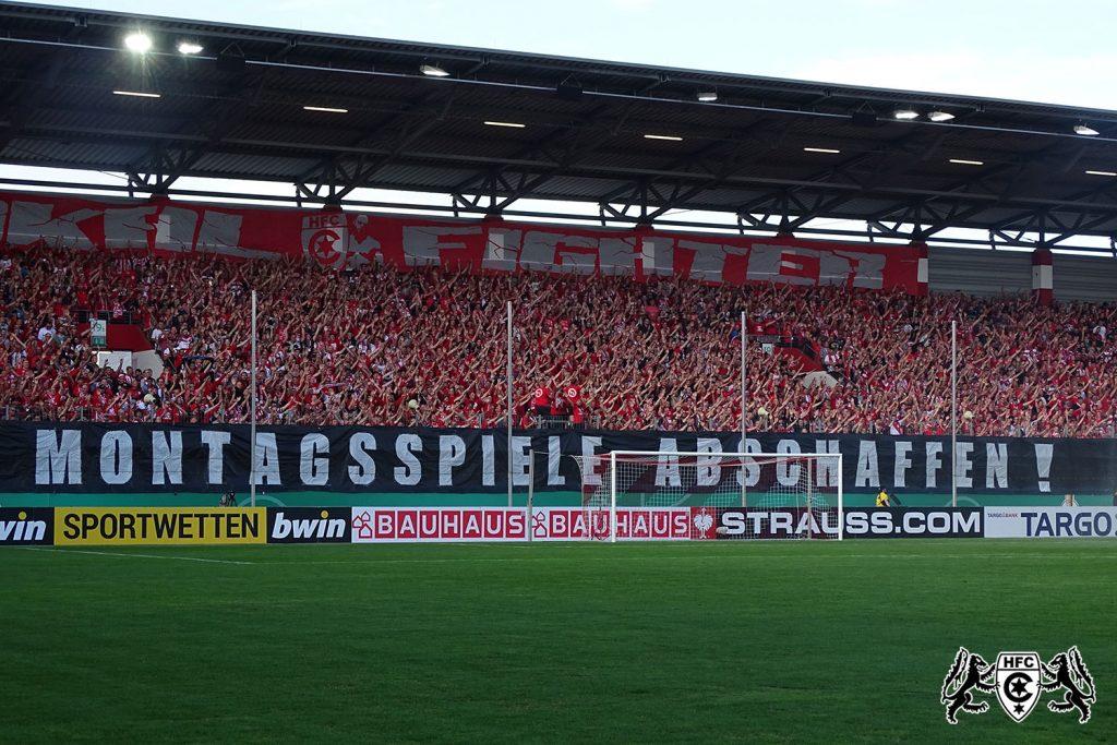 DFB Pokal 1. Runde: Hallescher FC vs. VFL Wolfsburg